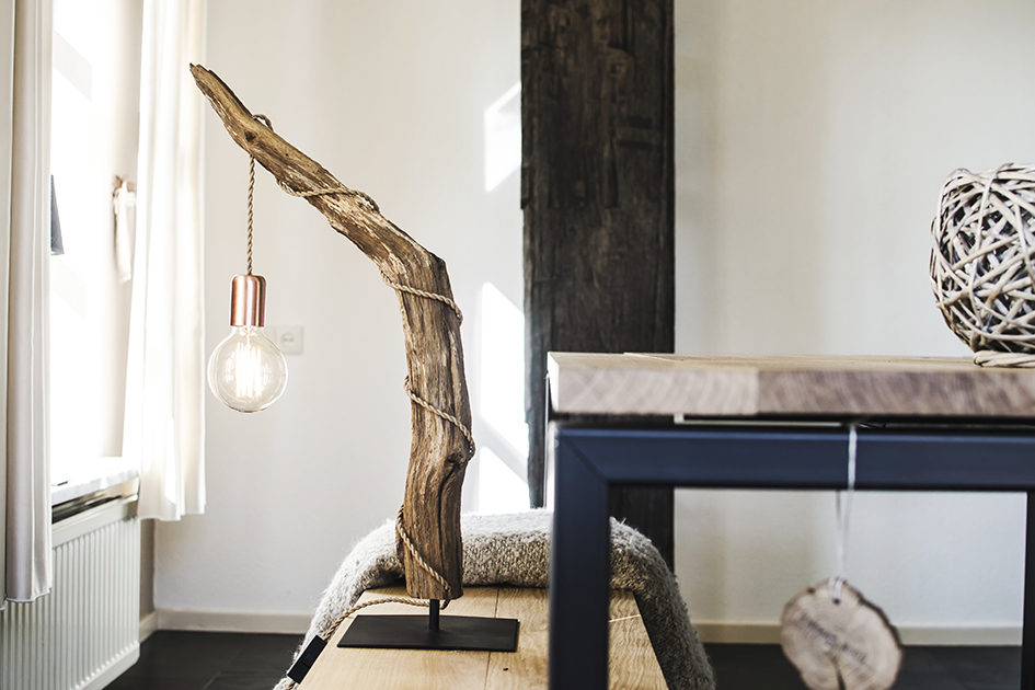 Vloerlamp Hout Landelijk : Devonta houten boomstronk vloerlamp thomaswood