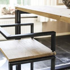 Industriële stoel van staal en hout